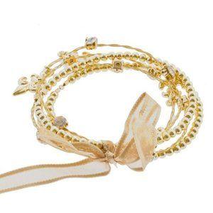 🌸 Boutique | Fleur de lis whimsical bracelet